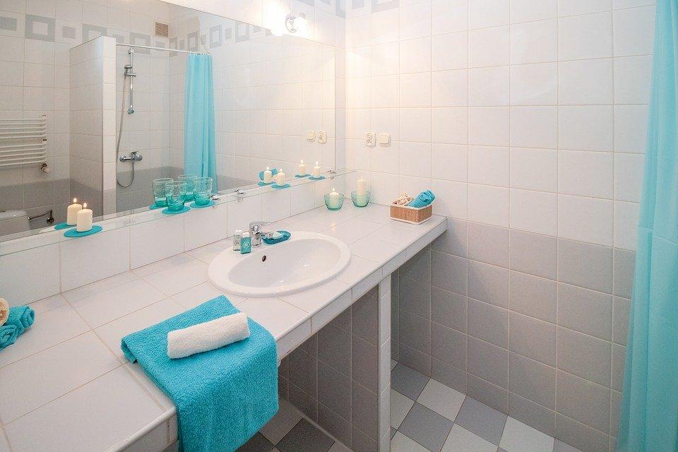 Bathroom Design - How to make your bathroom look bigger