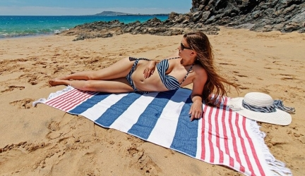 5 Best Beach Blankets to Rock on the Sand